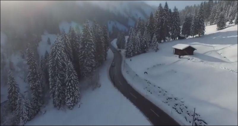 Экстремальный прыжок на лыжах