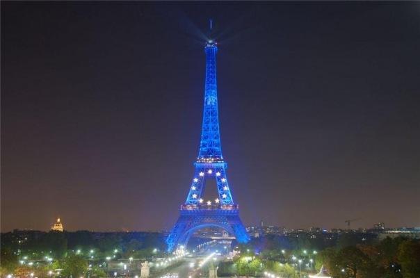 Увидеть Париж и...