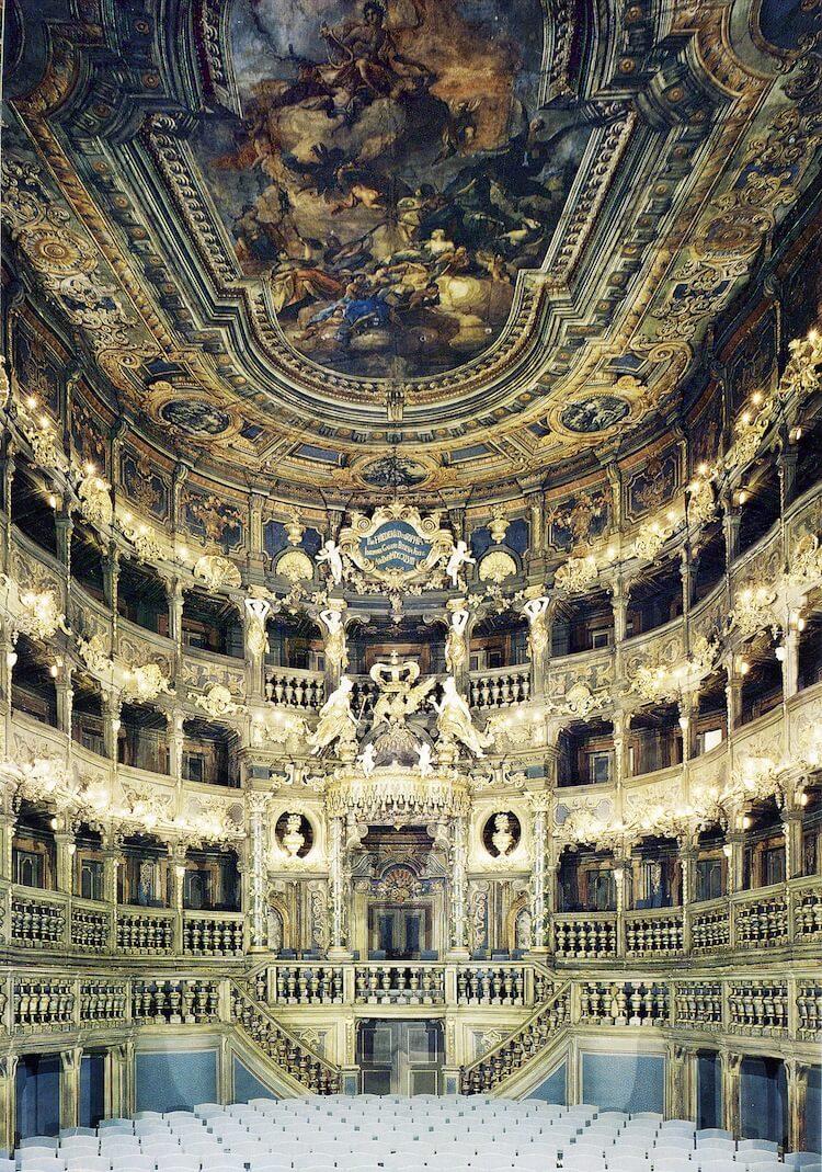 13 cамых красивых оперных театров мира
