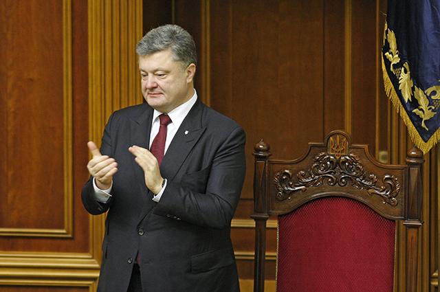 Порошенко берет пример с «агрессора»: на историю с плачущим мальчиком украинский президент вдохновился Путиным