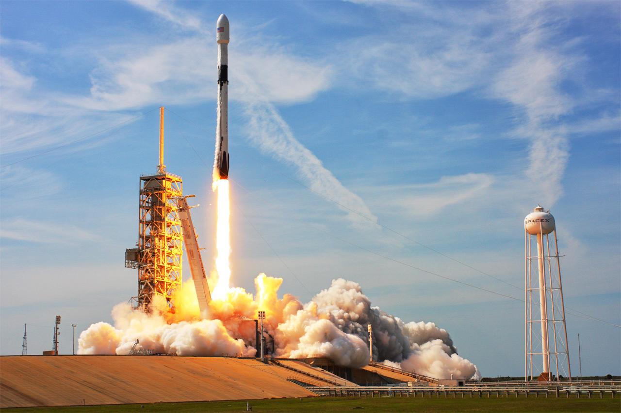 Go SpaceX: США ползут в большой космос Авиация