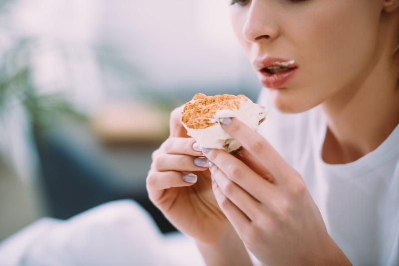 Почему нужно есть меньше сахара