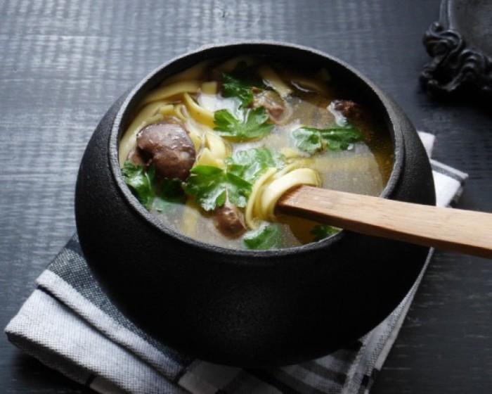 Сытный суп с сердечками.  Фото: edimsup.ru.
