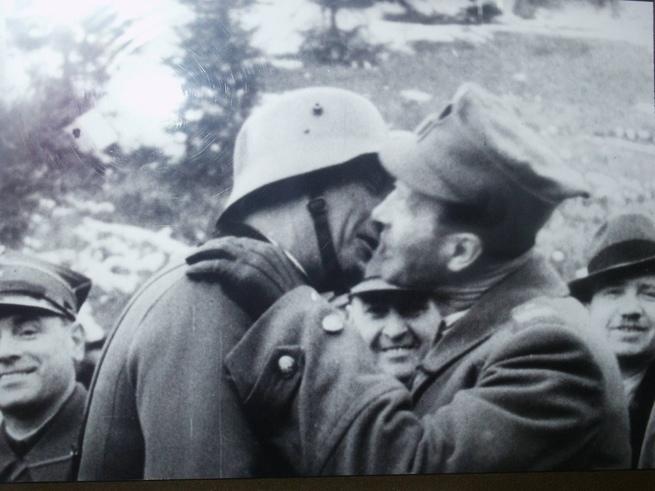 Вся Европа против СССР.( Истинные причины сноса памятника Солдату-освободителю в Польше)
