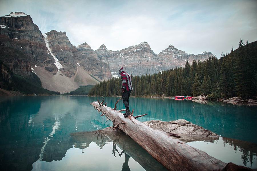 Канада разрешит туристам путешествовать в национальных парках в кемпингах