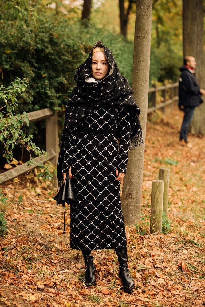 Утепляемся к осени: 35 образов с длинной юбкой или платьем, фото № 3