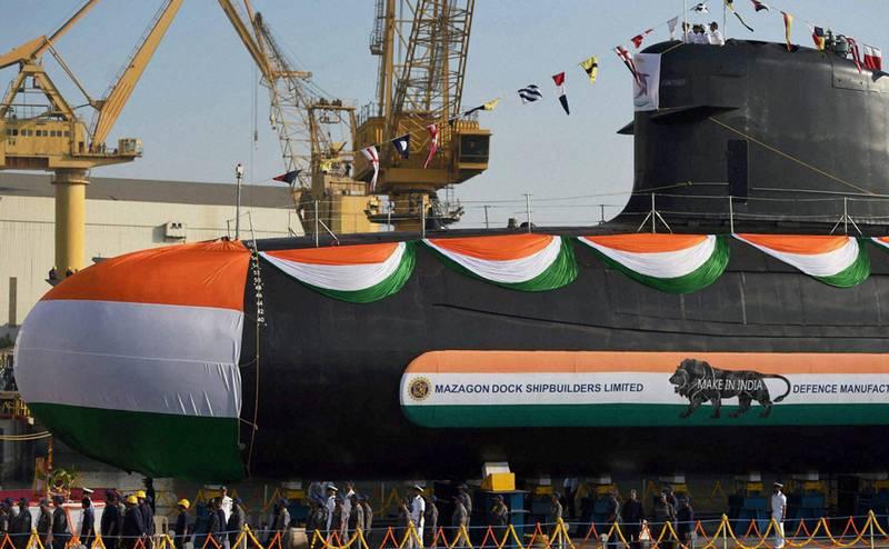 """В Индии спустили на воду четвёртую НАПЛ """"Скорпен"""" для ВМС страны"""