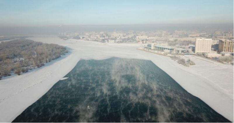 На Иртыше при 30-градусных морозах не замерзает вода, и никто не знает почему