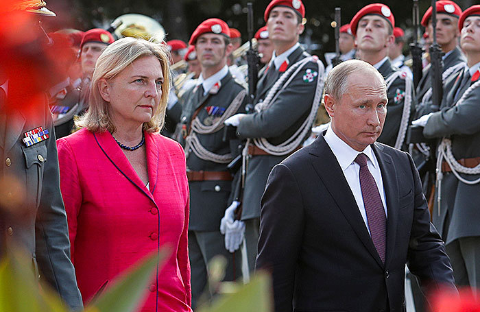 «Большой переполох в Штирии». Приезд Путина в Австрию на свадьбу главы МИД взбудоражил европейскую прессу