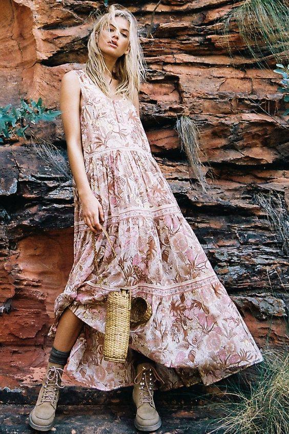 Сарафан в стиле бохо под теплые ботинки