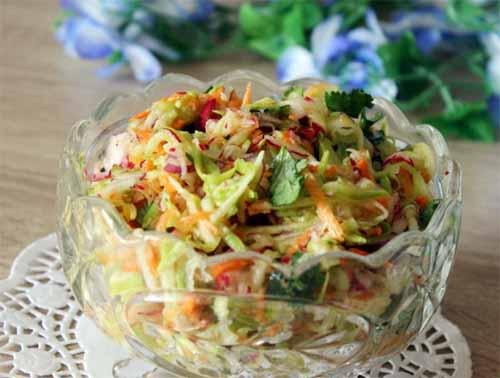 Салат из молодого кабачка