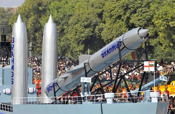 """Доработка напильником. Индия решила усовершенствовать ракеты """"БраМос"""""""