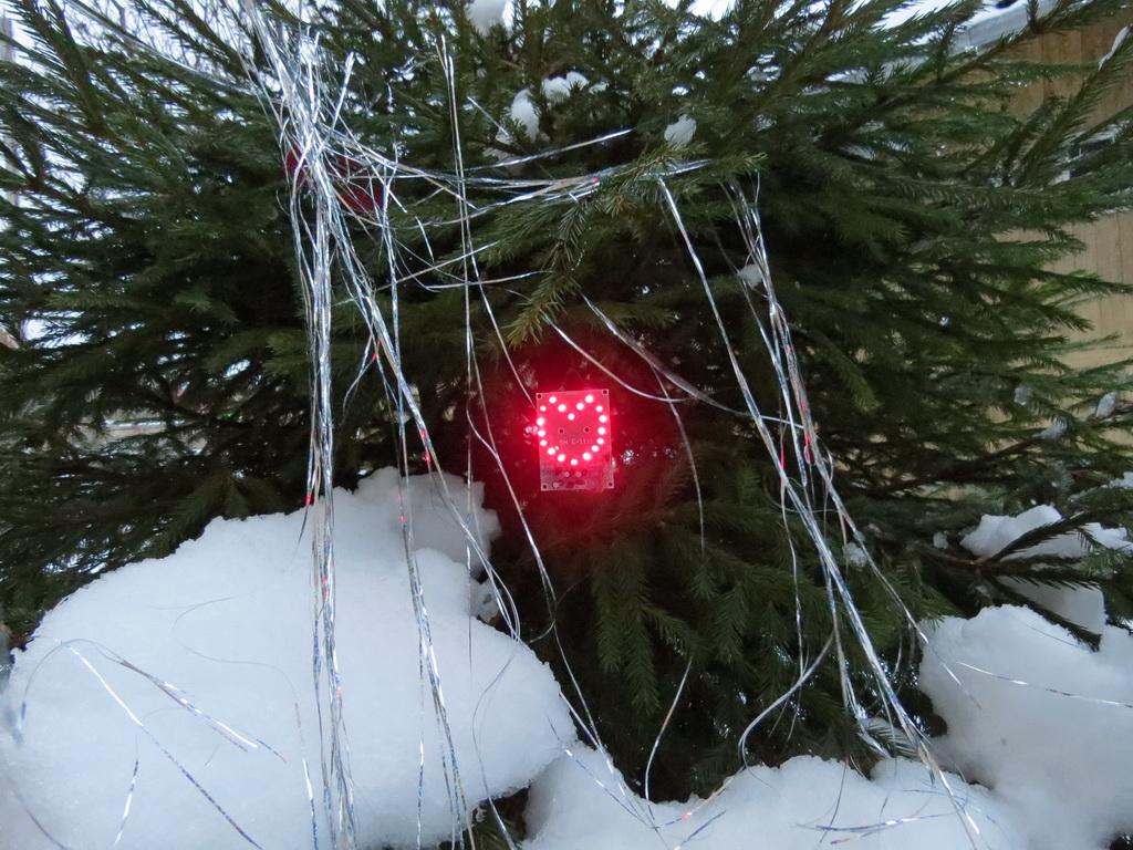 Как сделать электронную игрушку на елку своими руками
