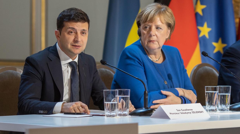 Политолог Погребинский рассказал, как Зеленский получил две пощечины от Меркель Политика