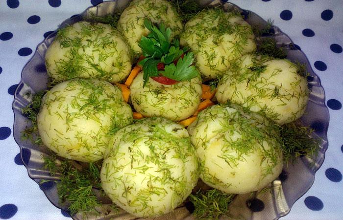Оригинальные шары-сюрпризы из картофеля и селедки