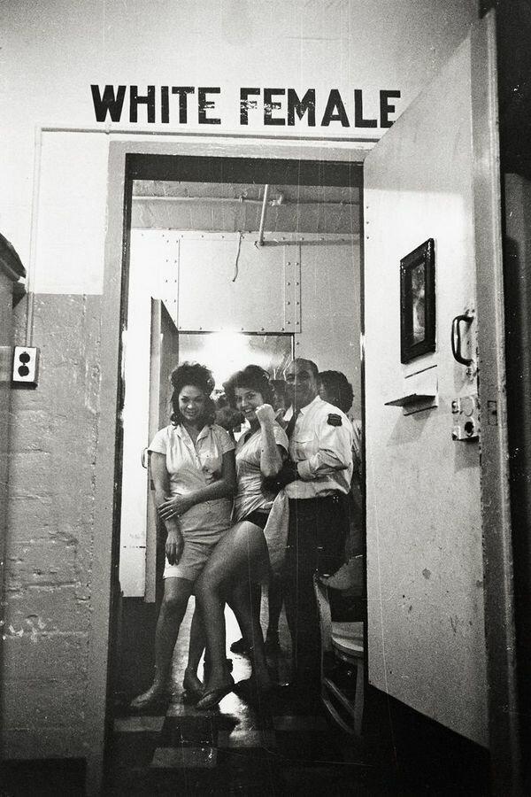 Отделение для белых женщин в городской тюрьме в Новом Орлеане, Луизиана, 1963 год,