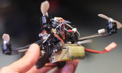 Робот FlyCroTug