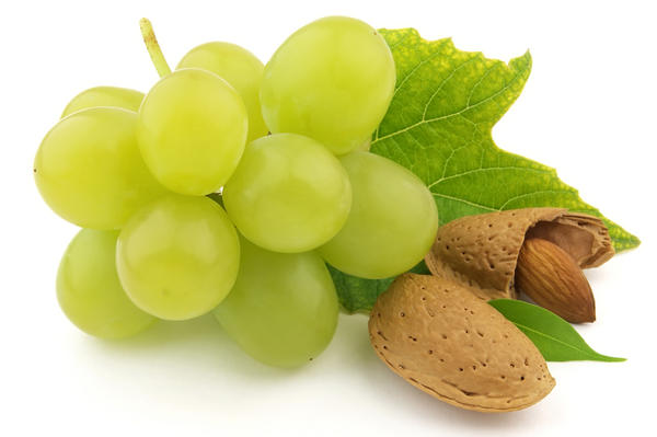 Виноград и миндаль