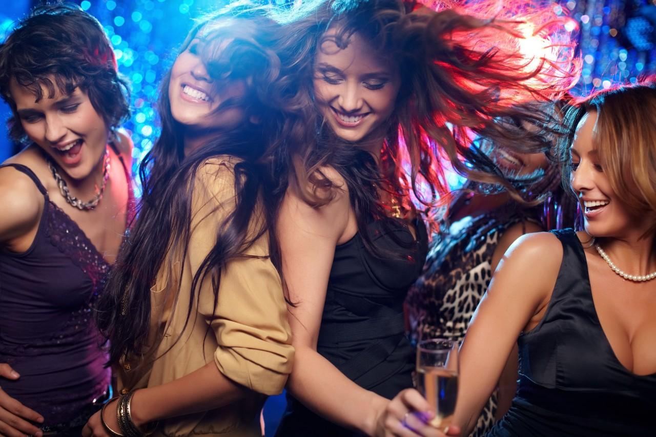 Ночной поцелуй, открытки танцы в клубе