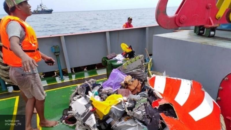 Спасателям удалось найти тела десятерых пассажиров малайзийского Boeing