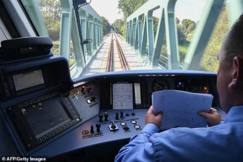 В Германии запустили первый в мире поезд на водороде ynews, в мире, новости, новые технологии, поезда, технологии, транспорт, экология