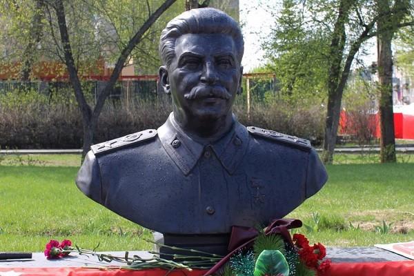 Про установку памятника Сталину в Новосибирске