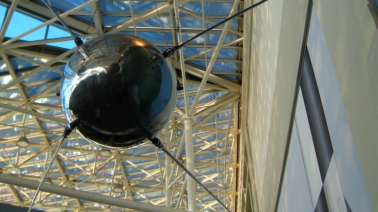 Тихий «бип» для человека, но барабанная дробь для космонавтики — мировые СМИ вспоминают запуск «Спутника-1»