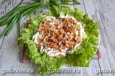 Слоеный салат с блинами «Букет роз», Шаг 04