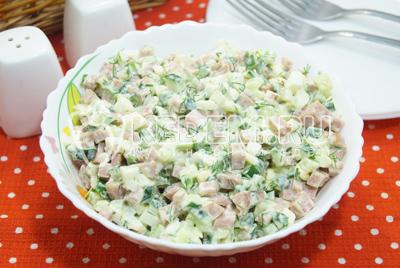 Салат с колбасой и свежими огурцами «Инди»