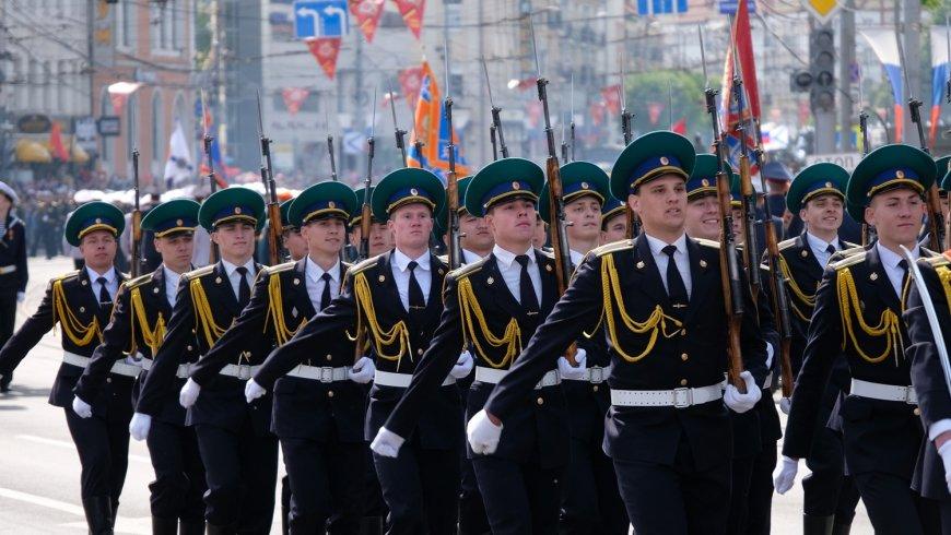 Американцы шпионили на параде Победы за новейшими разработками РФ новости,события