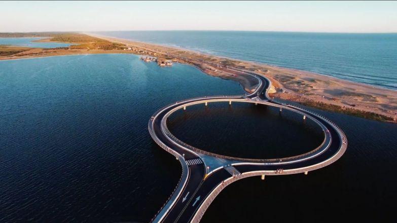 Мост,который специально был построен круглым!