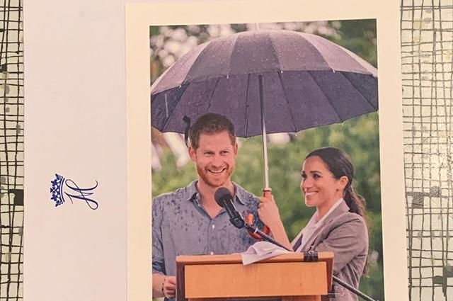 В сети появилась еще одна рождественская открытка Меган Маркл и принца Гарри