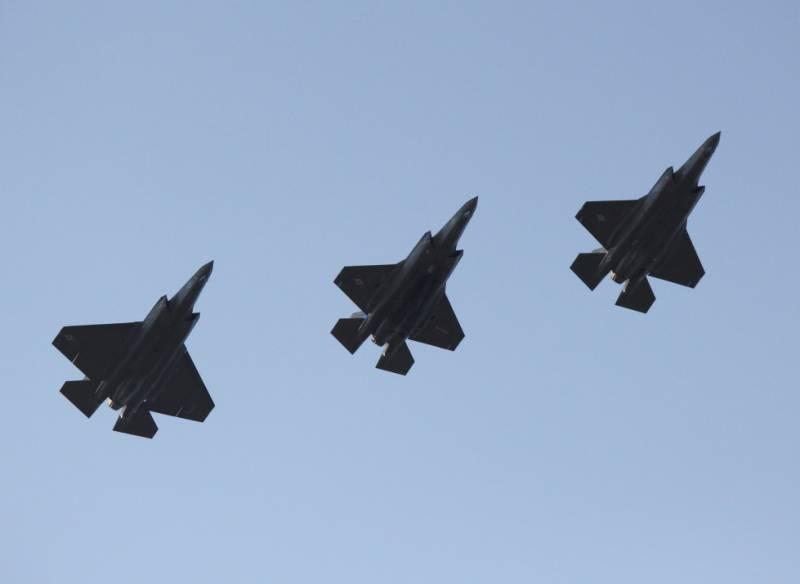 Недетские болезни: 966 проблем истребителя F-35