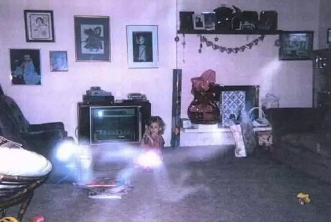 1. На четвереньках жуть, крипота, призраки