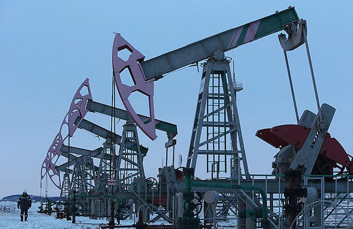 Какие риски падение нефти несет для бюджета, рубля и цен на бензин?