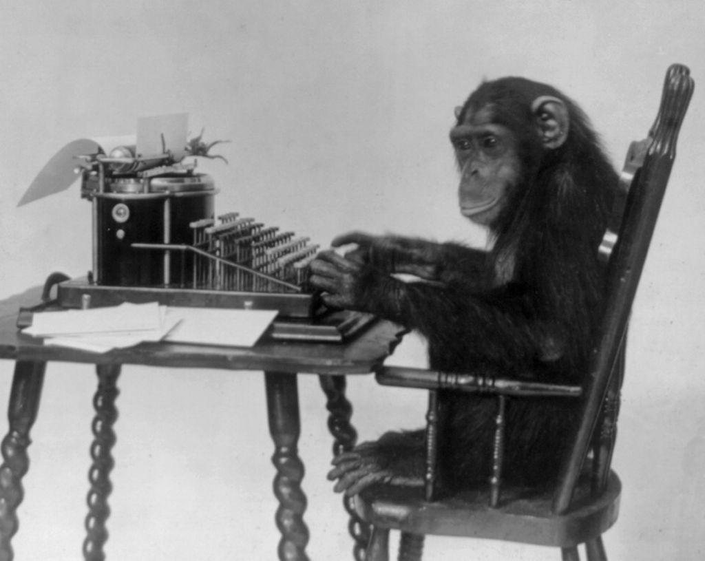 Согласно теореме о бесконечных обезьянах, абстрактнаяобезьяна, бьющая по клавишам печатной машинки неограниченноевремя,в итоге когда-то наберет заданный текст / © Wikipedia/New York Zoological Society