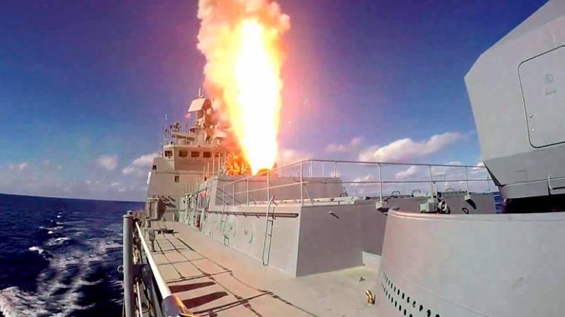Опубликовано видео удара кораблей ВМФ России по объектам ИГ в Сирии