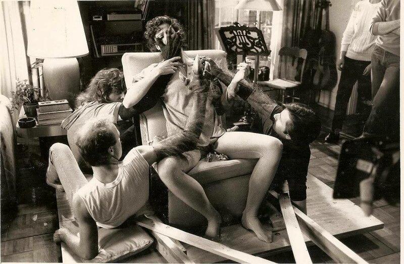"""Сигурни Уивер на съемках """"Охотники за привидениями"""", 1984 год знаменитости, исторические фотографии, история, редкие фотографии, фото"""