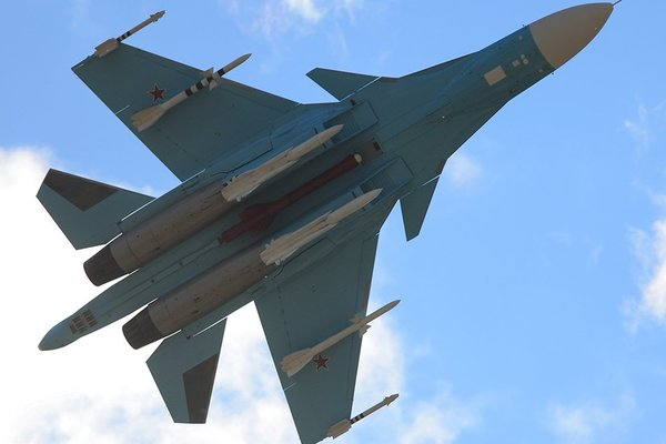 Су-34 утопил корабль на Каспии прямым попаданием ракеты Х-31(видео)