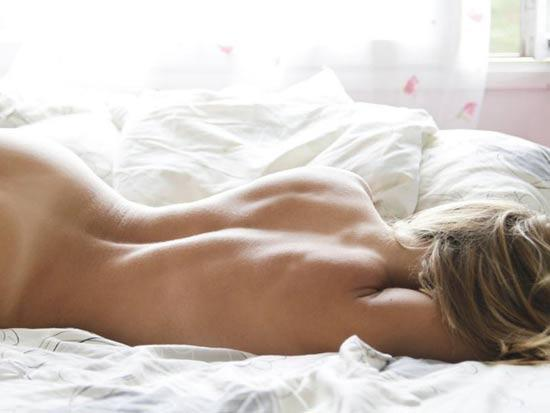 фото голых красивых спящих девушек
