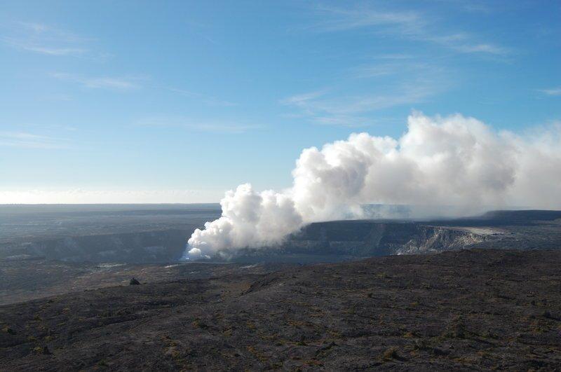 Активность наблюдается в другом кратере Халемаумау америка, вулканы, гавайи, пейзажи, природа, путешествия