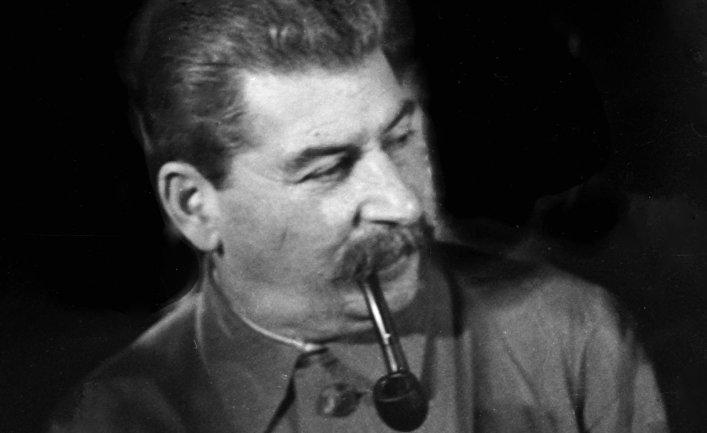 После Сталина остались несколько трубок и десять брюк. Неужели он действительно был таким бедным?