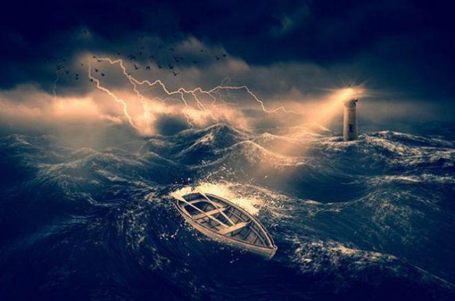 Лодка в шторм
