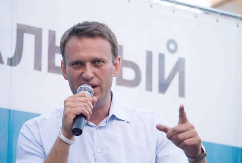 Навального могли отравить не для его физического устранения - спецслужбы Запада Новости