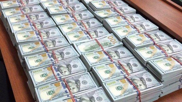 Кто финансирует Ксению Собчак?