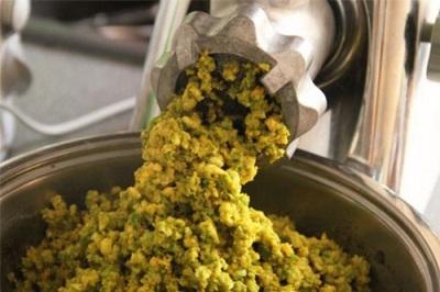 Лечебное сырье из зеленых грецких орехов