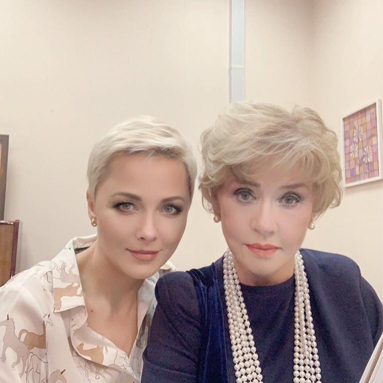 Дарья Повереннова показала редкое фото изменившейся Веры Алентовой, где она совсем на себя не похожа