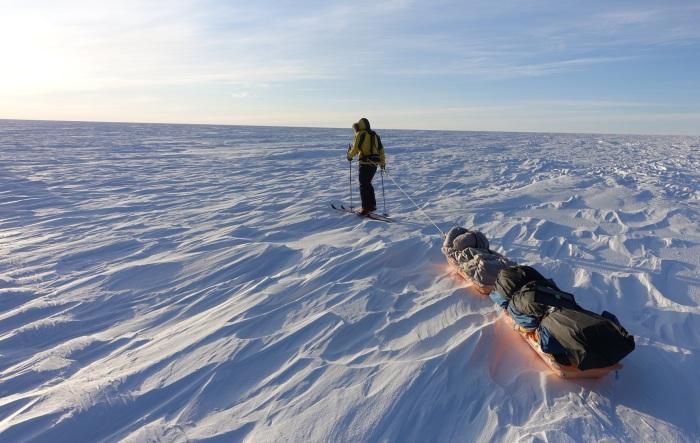 Как два человека пересекают на лыжах Антарктиду, и почему каждый в одиночку