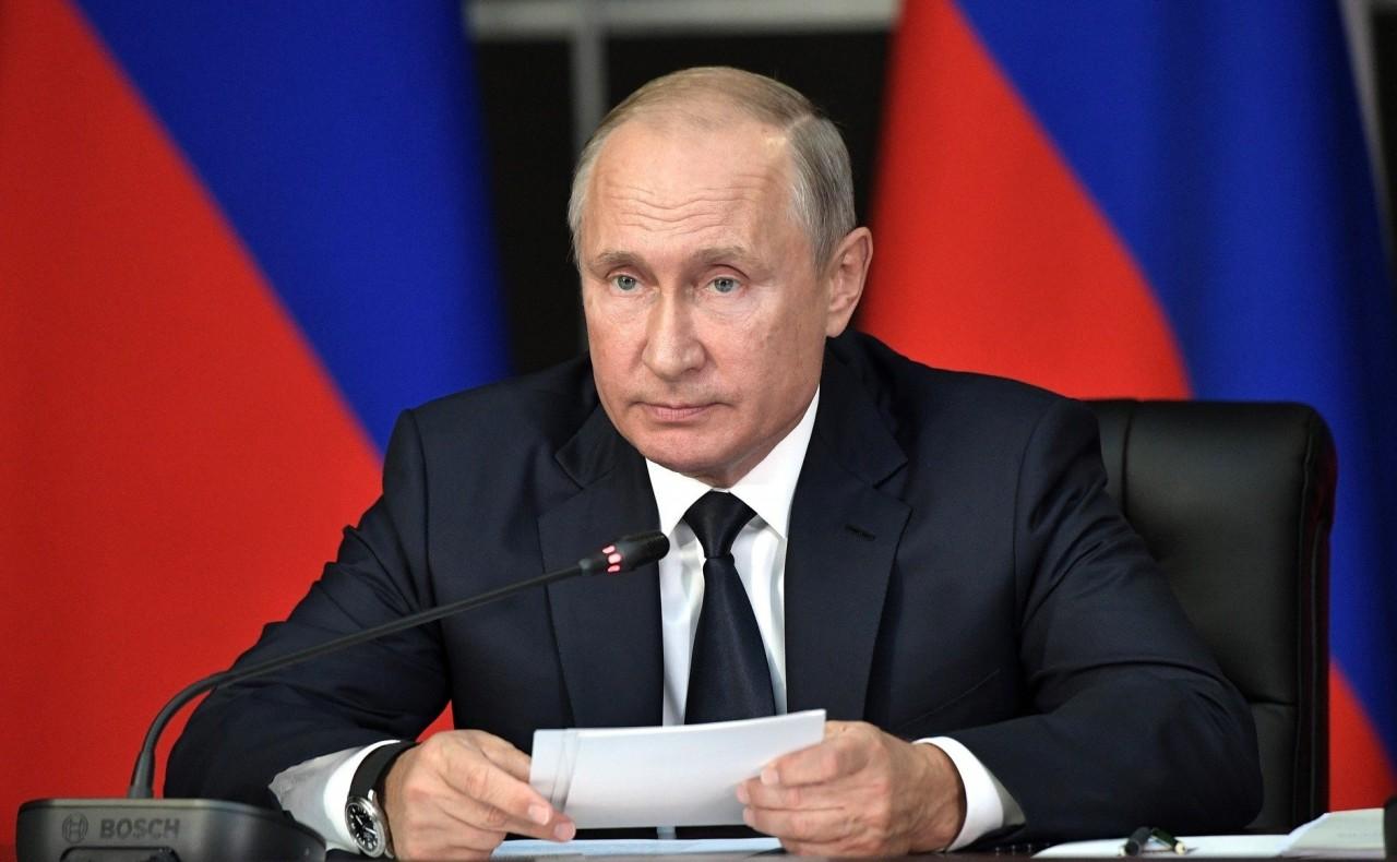 Путин на съезде «Единой Росс…