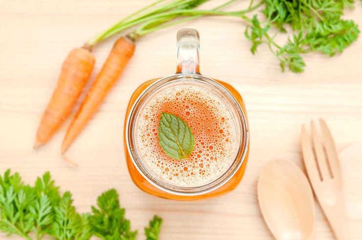 7 причин добавить в рацион вкусный и полезный морковный сок